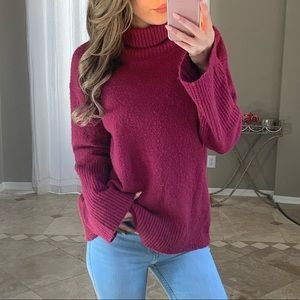 Hinge Chunky Oversized Burgundy Turtleneck Sweater